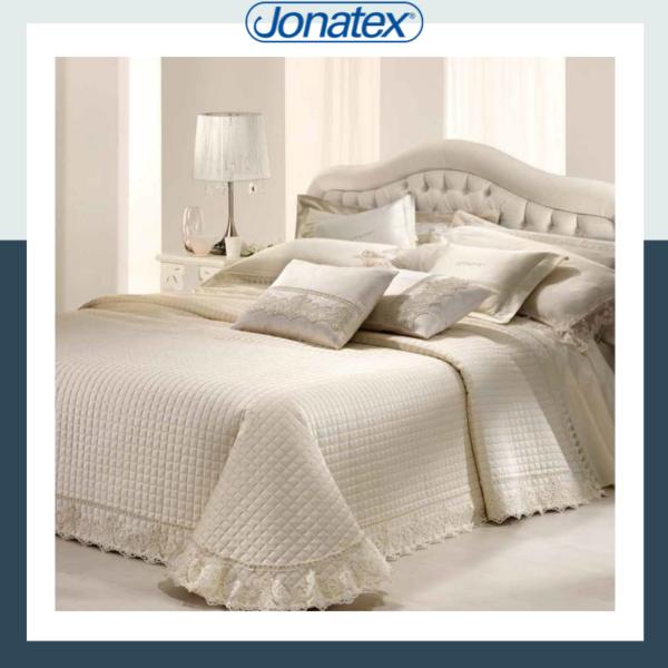 charlotte bedspread
